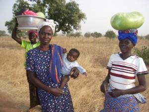 Foto van vrouwen in Finkoutloute (Togo)