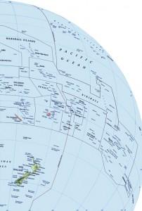 Globe met de nternationale datumgrens tot 1 januari 2012